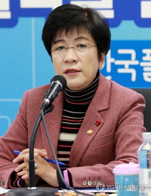 발언하는 김영주 고용노동부 장관
