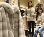 겨울 외투·침구 장만하세요…주말 백화점 최대 70% 할인