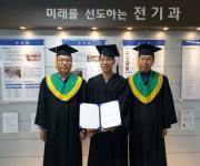 퇴직 후 인생 2막·취업 실패 후 전화위복…설움 날린 학사모